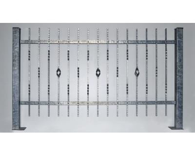 Kovový plot z ocelových profilů - ručně kovaný