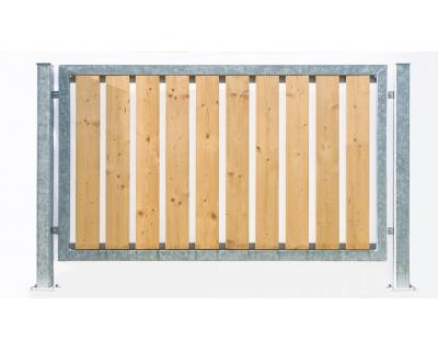Kovový plot z ocelových profilů - výplň dřevo
